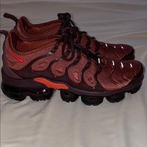 Nike vapormax sneakers size 8.5 like new